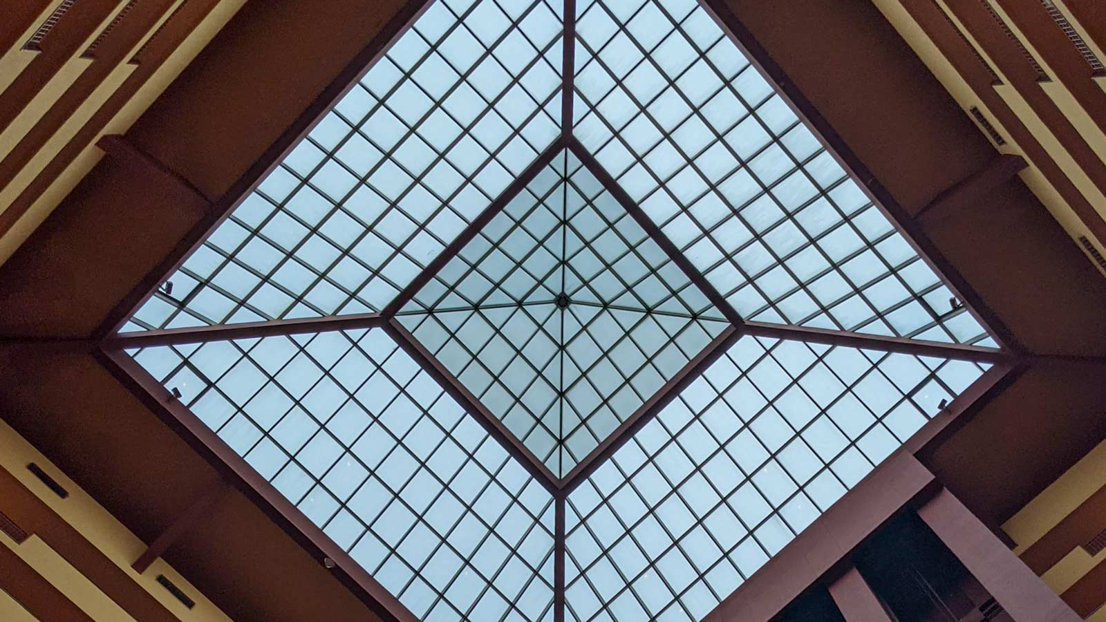 wet seal hotel skylight 32262 header 2